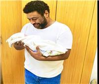 محمد جمعة يرزق بمولودة جديدة