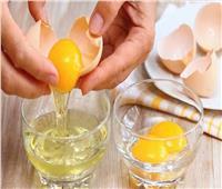 قناع «بياض البيض».. أسهل طريقة لإزالة الرؤوس السوداء في المنزل
