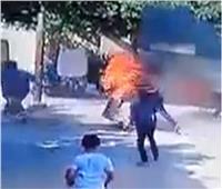 نجار يشعل النيران في جاره «تاجر البقالة» لإهانته والده