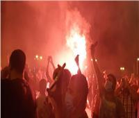 التونسيون يحرقون مقرات حزب النهضة وسط احتفالاتهم بقرارات «قيس سعيد»