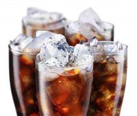 هشاشة العظام وتلف الكلى.. 7 مخاطر لتناول دايت المشروبات الغازية