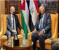 «شكري» يستقبل نظيره الأردني لبحث تعزيز العلاقات