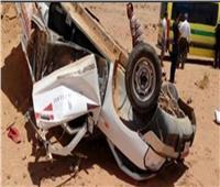 «نيابة المنيا» تعاين موقع حادث انقلاب سيارة بالصحراوي في المنيا