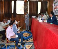 محافظ الفيوم يجتمع برؤساء الوحدات القروية لمتابعة ملف تقنين أراضي أملاك الدولة