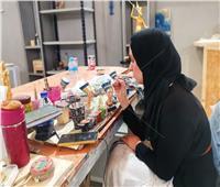 مصنع المستنسخات  رحلة هاجر من كفر الشيخ لعالم الريشة والألوان