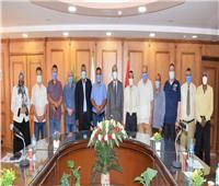 جامعة العريش تناقش خطة عمل أنشطة المجتمع التنموية للطلاب خلال الفترة الصيفية