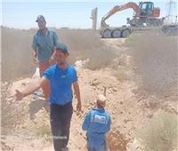 حملة لإزالة التعديات على خط مياه الشرب بمدينة الضبعة