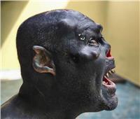 قطع أنفه وشق لسانه وذرع قرونًا.. ليصبح «شيطان مملكة الخواتم»|فيديو وصور