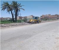 رئيس مدينة المنيا يُوقف بناء مخالفًا.. ورفع 85 طن مخلفات من الشوارع