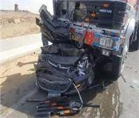 مصرع 4 أشخاص فى حادث تصادم سيارتين بطريق برانيس - حماطة بالبحر الأحمر