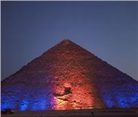 إضاءة الأثار المصرية.. عادة حاضرة في المناسبات المحلية والعالمية   صور