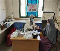 صحة المنيا تقدم الخدمات الطبية والعلاجية لـ1766 مواطنًا بمركز بني مزار  صور