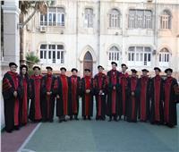 كلية لاهوت «إكسبلورنيشنز» تحتفل بتسليم درجة الدكتوراة إلى 13 باحثًا