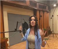 لطيفة تغني لـ تونس: «يحيا الشعب.. يسقط كل عدو الشعب»  فيديو