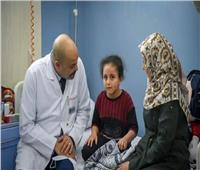 الطفلة الفلسطينية بيان محمود تصل معهد ناصر لتلقي العلاج من المرض النادر