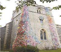 خيوط «الكروشيه» تُزين أبراجاً أثرية بـ«إنجلترا»