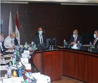 وزير النقل: التوسع في استخدام تقنيات الميكروسيرفس للطرق والمطارات