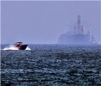 «أسوشيتد برس»: 4 سفن فقدت السيطرة على القيادة في خليج عُمان