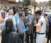 محافظ بني سويف يناقش ميدانياً توزيع الحركة والحلول المرورية بـ«مدينة ناصر»