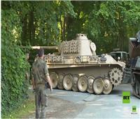 عجوز ألماني أمام القضاء بتهمة إخفاء «دبابة» في منزله ..فيديو