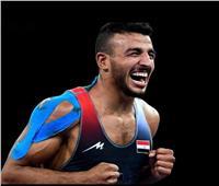 سفارة أمريكا بالقاهرة تهنئ مصريًا فاز ببرونزية المصارعة الرومانية بطوكيو