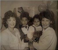 بعد رحيل دلال عبدالعزيز.. قصة صورة جمعت عائلتي سمير غانم وأحمد زكي