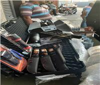 جمارك بورسعيد تضبط محاولة تهريب منظار وبندقية ضغط وعدد من الأسلحة البيضاء