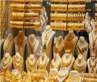 رئيس شعبة الذهب يكشف سر تراجع الأسعار | فيديو