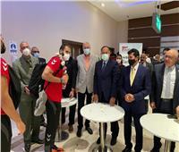 وزير الشباب والرياضة يستقبل بعثة منتخب مصر لكرة اليد بمطار القاهرة