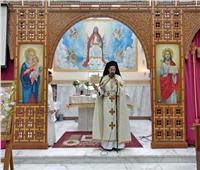 الأنبا باخوم يزور كنيسة العذراء والأم تريزا بعزبة النخل