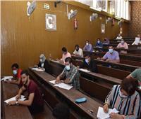 700 طالب بسوهاج يؤدون امتحانات برامج التعليم المدمج