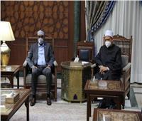 شيخ الأزهر يستقبل رئيس وزراء الصومال ويقرر زيادة عدد المنح وإرسال قافلة إغاثية