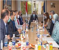 العناني يناقش مستجدات الموقف التنفيذي لبوابة وزارة السياحة والآثار الإلكترونية