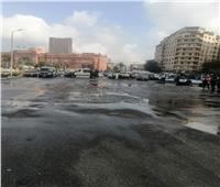 فتح ميدان التحرير بعد غلقه بسبب انقلاب سيارة محملة بالزيت.. صور