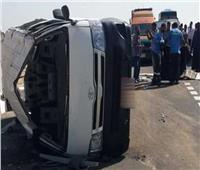 مصرع وإصابة ٣ أشخاص في انقلاب سيارة على الطريق الصحراوى بسوهاج
