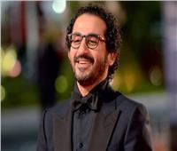 استعدادًا للموسم الرمضاني 2022 .. أحمد حلمي يقرر تأجيل فيلمه بسبب مسلسله الجديد