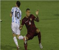 لحظات مرعبة عاشها ميسي في مباراة الأرجنتين وفنزويلا.. فيديو