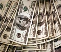 استقرار سعر الدولار في منتصف تعاملات البنوك المصرية