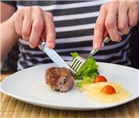 من إتيكيت الشعوب.. ممنوع الأكل باليد مباشرة في تشيلي
