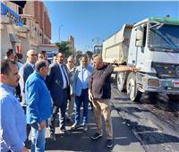 محافظ البحيرة يتفقد أعمال تطوير شارع النصر بدمنهور