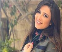 ياسمين عبدالعزيز: «شفت الموت.. وسؤالكم ودعمكم هون عليا الأزمة»