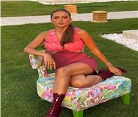 في أول حديث عن زواجها.. نيللي كريم: «اشتريت الفستان والعريس تحمل نفقات الزفاف»