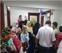 رئيس مدينة المحلةيتابع أعمال القافلة الطبية المجانية بـ«دخميس»