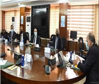 شعراوييبحث مع وفد البنك الدولي تحسين منظومة تسجيل العقارات بصعيد مصر