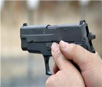 بسبب الخلاف على مبلغ مالي بسوهاج.. عامل يقتل اثنين من أبناء عمومته رميا بالرصاص