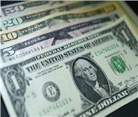 الدولار يسجل 15.74 جنيه متوسط سعري في منتصف تعاملات اليوم