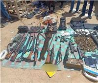 «مقبرة لزوجتيه ومخزن أسلحة».. نهاية «سفاح الصعيد» الهارب من 17 حكمًا بالإعدام