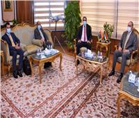 وزير الطيران المدني يبحث سبل التعاون مع وزير المواصلات الليبي  صور