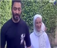 تامر حسني يستجيب لرغبة الفنانة مريم كمال بالغناء معها.. فيديو