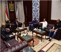 وزير الرياضة يلتقي الجهاز الفني للمنتخب الوطني بقيادة «كيروش»